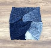 ガーター編みのマフラーをアレンジしたスヌード