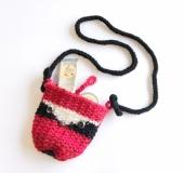 クロバーかぎ針を使って よろい編みで編む 鳥のポシェット