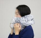 ジャンボ編み・モフモで編む 交差模様のスヌード