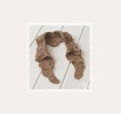 かぎ針編みのつけ襟