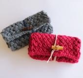 ジャンボ編みで編む 交差模様のクラッチバッグ