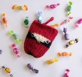クロバーかぎ針を使って よろい編みで編む 鳥のキャンディー入
