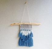 クロバーミニ織りで織るタッセル飾りのミニタペストリー