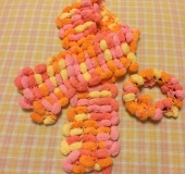 指編みで編む kidsマフラー と シュシュ