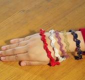 かぎ針「アミュレ」で編む スネーク編みのブレスとリング