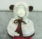 ニュアージュで編む子ども用くまちゃんの耳付きケープ