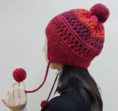 ランドネで編む耳あて付き透かし模様の帽子