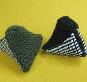 ダブルフックアフガン針で編む 三角ポーチ