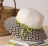 クイック帽子テンプレートで作る帆布と花柄のキャプリン