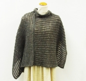 アルパカミュークで編む 透かし編みのポンチョ