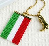 デリカビーズで作るイタリア国旗のチャーム